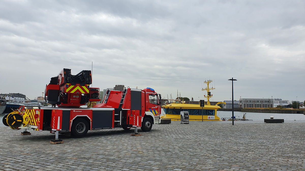 During a live demonstration, video images were shown via the 5G network from a police combi, a fire truck and a sounding boat from Port of Antwerp.