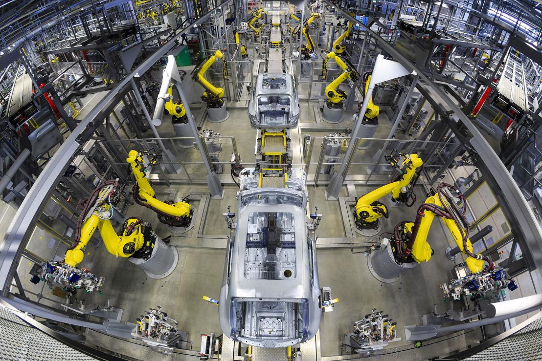 Factory Porsche Macan