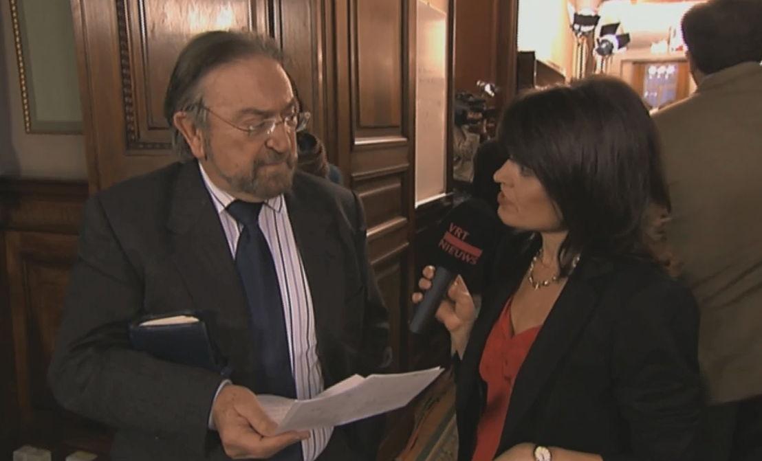 Archiefbeeld Herman De Croo leest bried Ghislain Londers voor in Villa Politica - (c) VRT