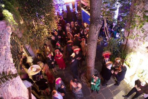 Tequila Casa Dragones celebra su décimo aniversario en San Miguel de Allende durante el Día de Muertos