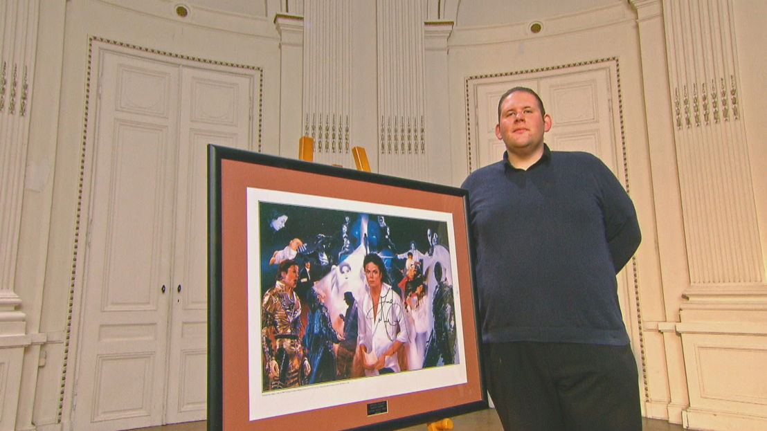 Wesley en de gesigneerde print van Michael Jackson