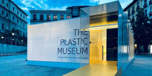 Madrid's mayor inauguratesThe Plastic Museum
