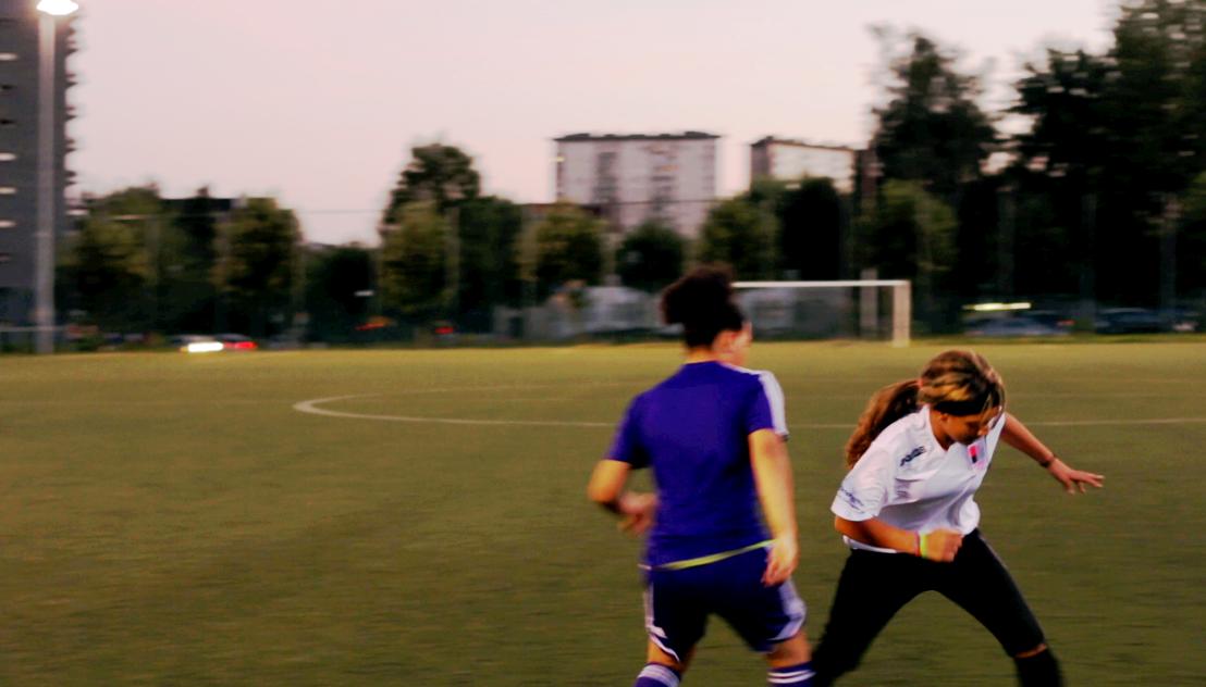 4 X 7 - FC Molenbeek Girls - (c) De chinezen