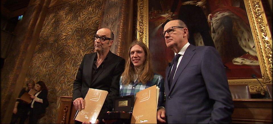 Het Groot Dictee : Bart Chabot - winnaar Randy van Halen - Philip Freriks | (c) VRT
