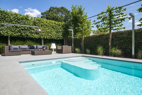 Family 9, het zwembad dat ontspanning en plezier biedt aan groot en klein