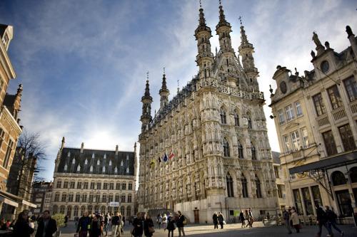 Gratis elektrische shuttlebussen tussen Parking Vaartkom en centrum Leuven