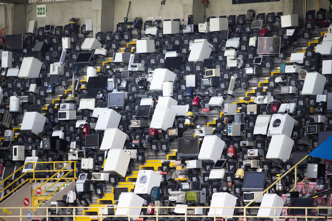 Recupel and mortierbrigade fill Jan Breydel Stadium stands with broken electronic devices