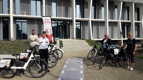 Medewerkers politiezone Lubbeek op de fiets