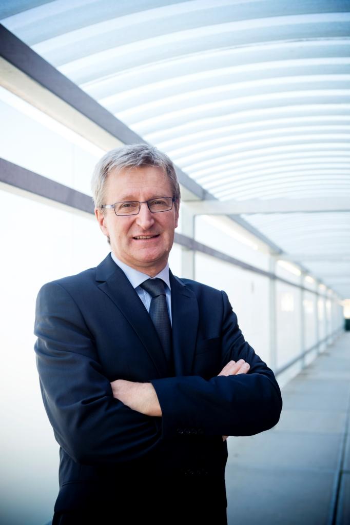 prof. dr. Johan Van Eldere, hoofdgeneesheer UZ Leuven