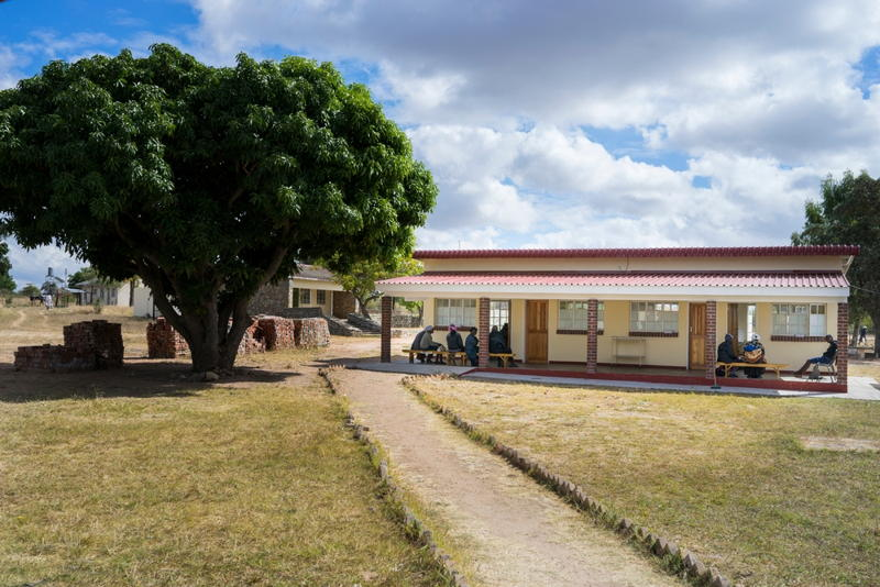 Chimombe Hospital is one of the four cervical cancer screening centers supported by Medecins Sans Frontieres (MSF) in Gutu district. © Melanie Wenger