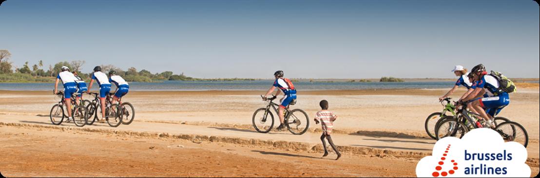 Bike for Africa fietst 400 km door Kameroen voor Mercy Ships