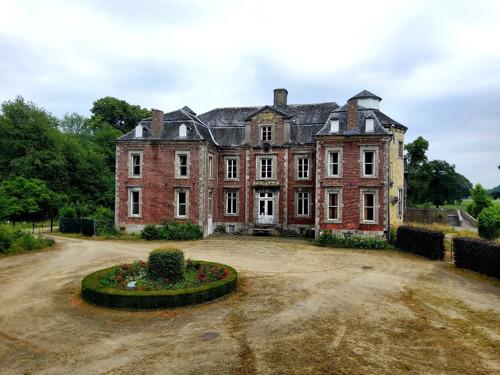 Vlaanderen koopt kasteeldomein Vilain XIIII in Leut