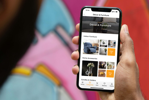 NICE partners with Emakina to create an inspiring mobile shopping experience.
