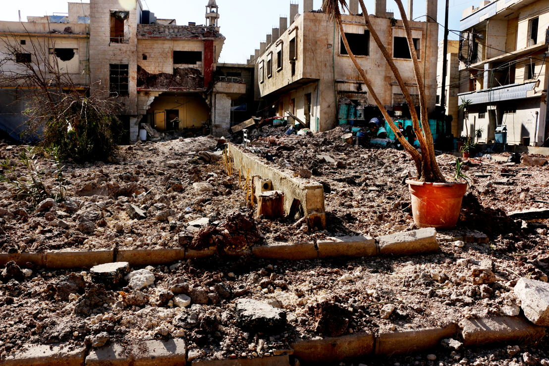 Destruction in Al Shaar neighbourhood, near M11 hospital, eastern Aleppo. Photographer: Ghaith Yaqout Al-Murjan