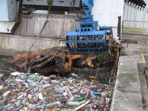 Luminus verzamelt en recycleert bijna 1000 ton afval uit de Maas