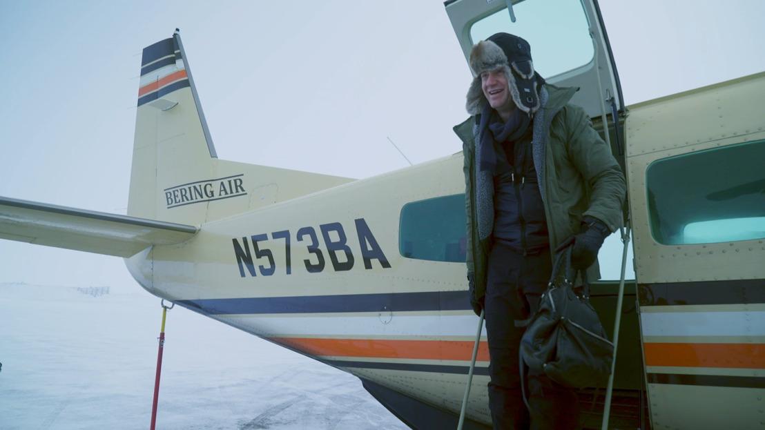 Jani reist naar het eind van de wereld en dompelt zich al bibberend onder in de Eskimocultuur