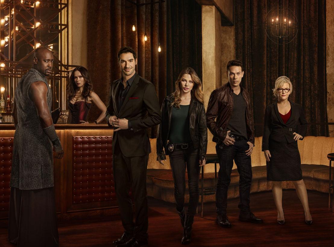 D.B. Woodside (Amenadiel), Lesley-Ann Brandt (Mazikeen), Tom Ellis (Lucifer), Lauren German (Chloe), Kevin Alejandro (Dan) & Rachael Harris (Dr. Martin)