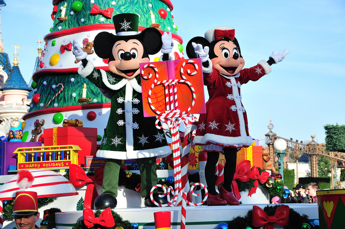 Disneyland® Paris viert dit jaar een betoverende kerst in beide Disney® Parken!