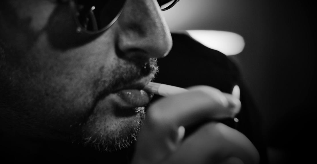 Binnenkijken bij Dennis Burkas in 'Dennis Vs. Black Magic'