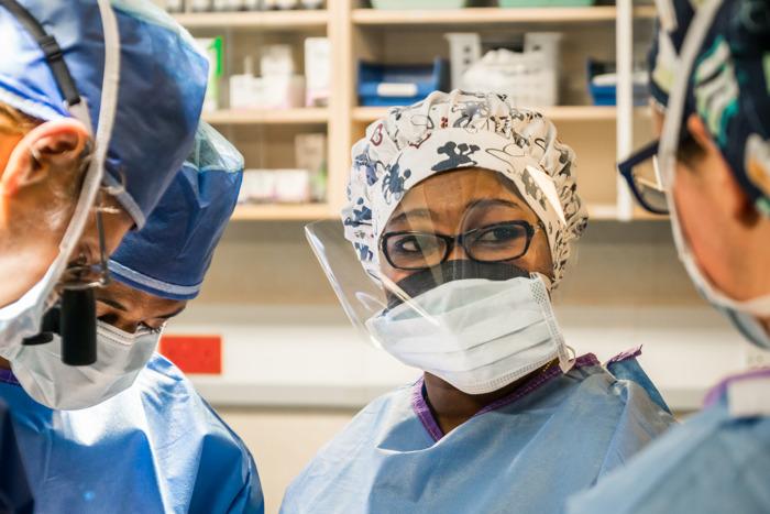 Dr. Odry Agbessi - Benins erste plastisch-rekonstruktive Chirurgin
