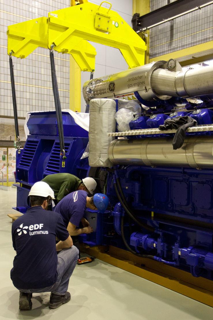 Un moteur de cogénération dans la centrale thermique de Gand Ham.