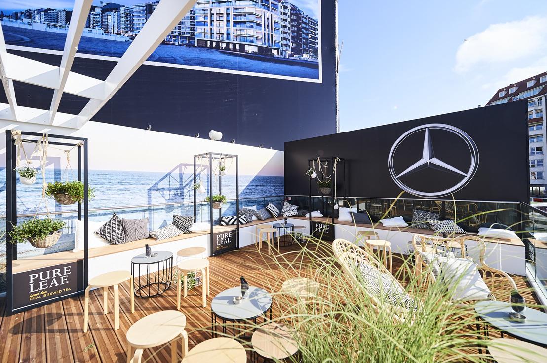 Rendez-vous à la côte : apéritif entre des voitures de rêve avec vue sur la mer !