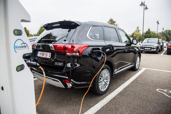 Preview: Début de l'expérimentation de la technologie V2G qui exploite les véhicules électriques comme ressource pour les centrales électriques virtuelles