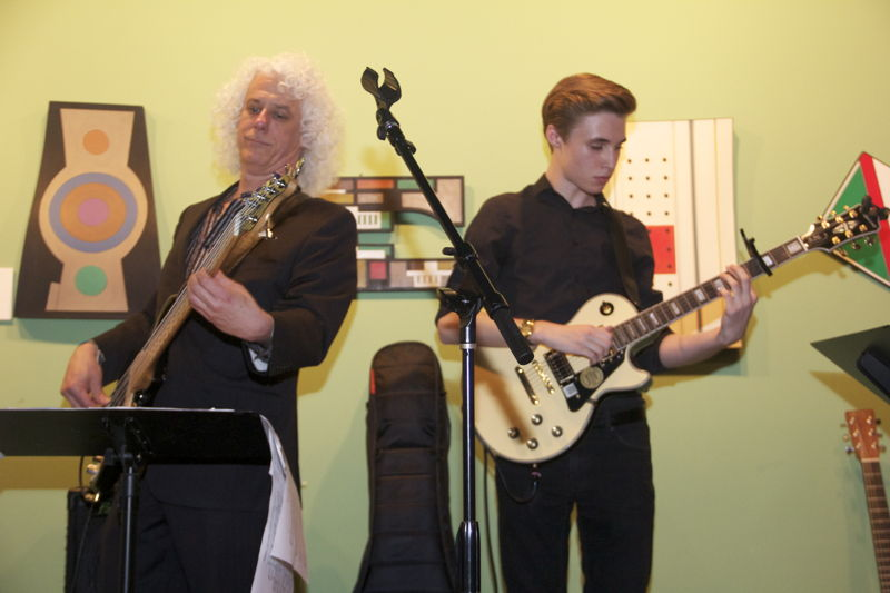 Live-Band (Photo Credits: Cosign Magazine)