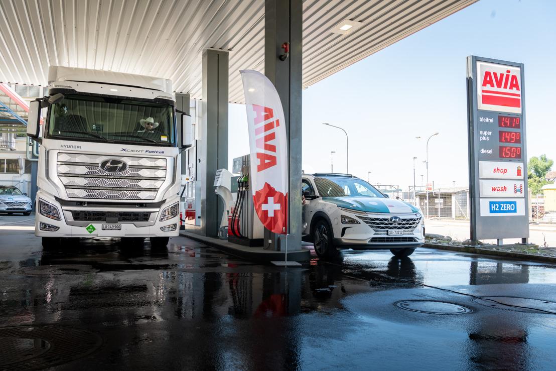 Die ersten schweren Brennstoffzellen-Nutzfahrzeuge Hyundai XCIENT Fuel Cell sind unterwegs nach Europa