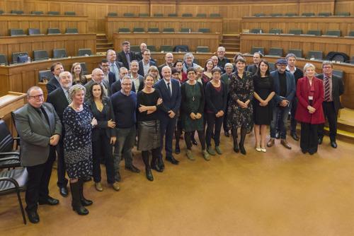 Nieuwe provincieraad Oost-Vlaanderen zetelde voor het eerst met 36 raadsleden