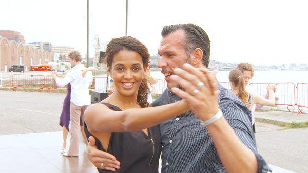 Tatyana Beloy danst in #Thuisblijver de tango