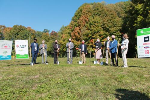 Memorial Arboretum Added to Canada's Largest Veteran Care Facility through GrandTrees and Sunnybrook Partnership