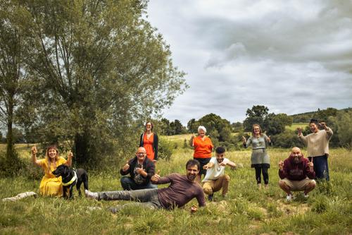 Joris Hessels volgt acht mensen tijdens een cruciaal jaar in de tweede reeks van De weekenden