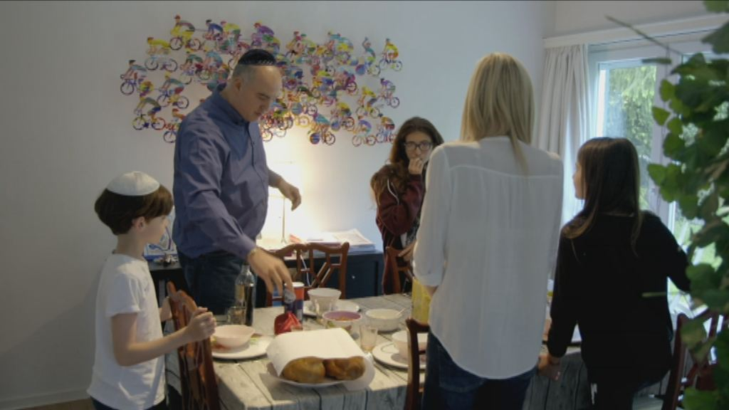 Joe, Nardy en hun gezin