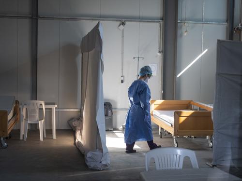 MSF se ve obligada a cerrar el centro COVID-19 en Lesbos, Grecia