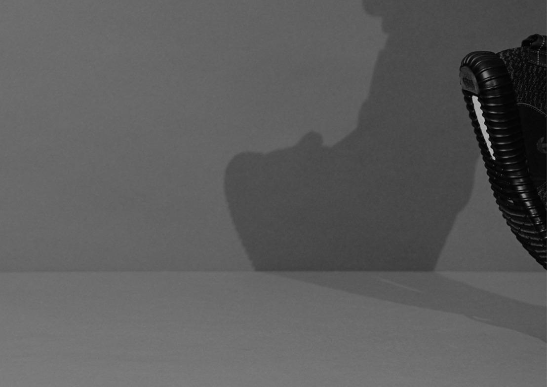El YEEZY BOOST 350 BLACK de Kanye West para adidas Originals regresa para SS16