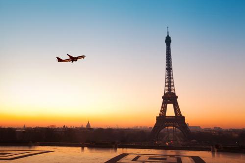 Авіаквитки в Європу стали дешевше в середньому на 45%