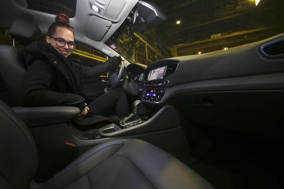 Stefanie Heinzmann / Hyundai IONIQ Hybrid