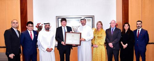 تكريم بريطاني للدائرة الأمنية في مجموعة الإمارات