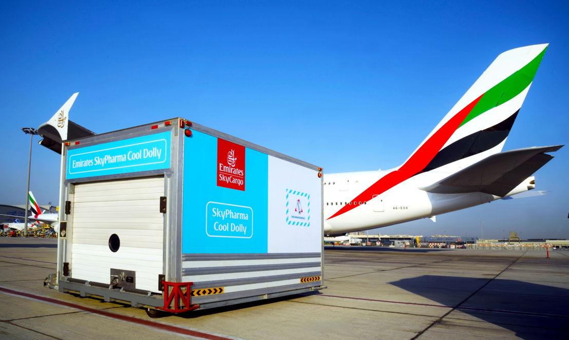 """الإمارات للشحن الجوي تنال جائزة """"دي إتش إل"""" الثقة والتميز في مجال نقل الأدوية والمنتجات الحيوية الحساسة للحرارة."""