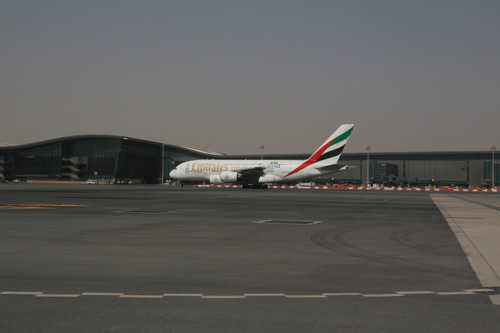 Emirates A380 Touches Down in Doha for First Time