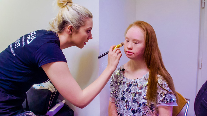 Telefacts Zomer brengt het portret van Maddy, het model met syndroom van Down