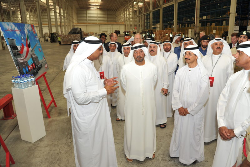 From left to right - Nabil Sultan, Emirates Divisional Senior Vice President, Cargo, explains to His Highness Sheikh Ahmed bin Saeed Al Maktoum, Chairman and Chief Executive of Emirates Airline and Group, His Excellency Sultan Ahmed Bin Sulayem, Chairman of Ports, Customs and Free Zone Corporation, His Execellency Ahmed Mahboob Musabih, Director of Dubai Customs and His Excellency Khalifa Al Zaffin, Executive Chairman of Dubai Aviation City Corporation (back right), some of the features of Emirates SkyCentral.