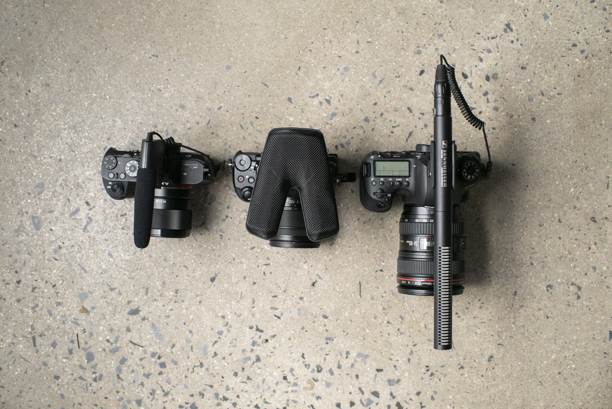 Quality audio for your DSLR/DSLM: Sennheiser showcases the wired camera microphones MKE 400 (mini-shotgun), MKE 440 (stereo) and MKE 600 (shotgun, left to right)
