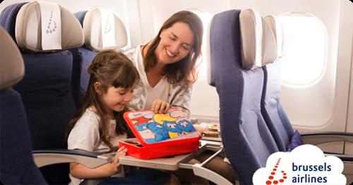 De smurfen stappen aan boord bij Brussels Airlines