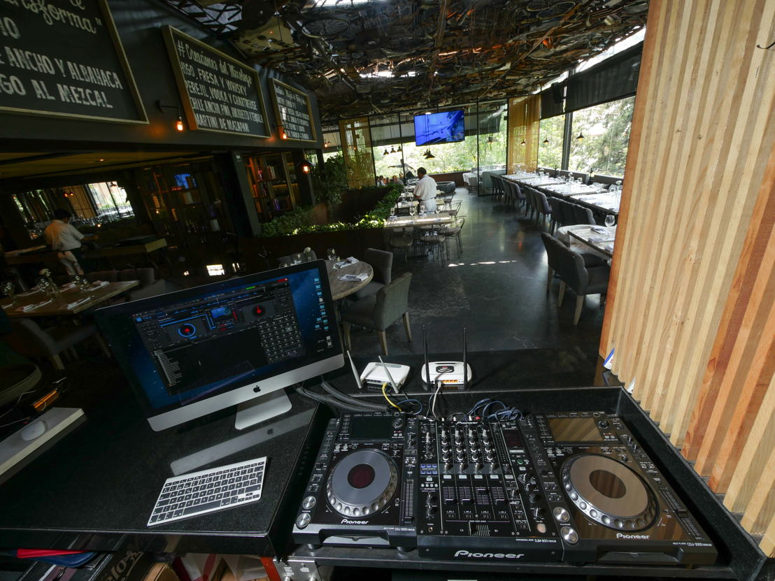 Sonora Grill Prime Masaryk Area DJ