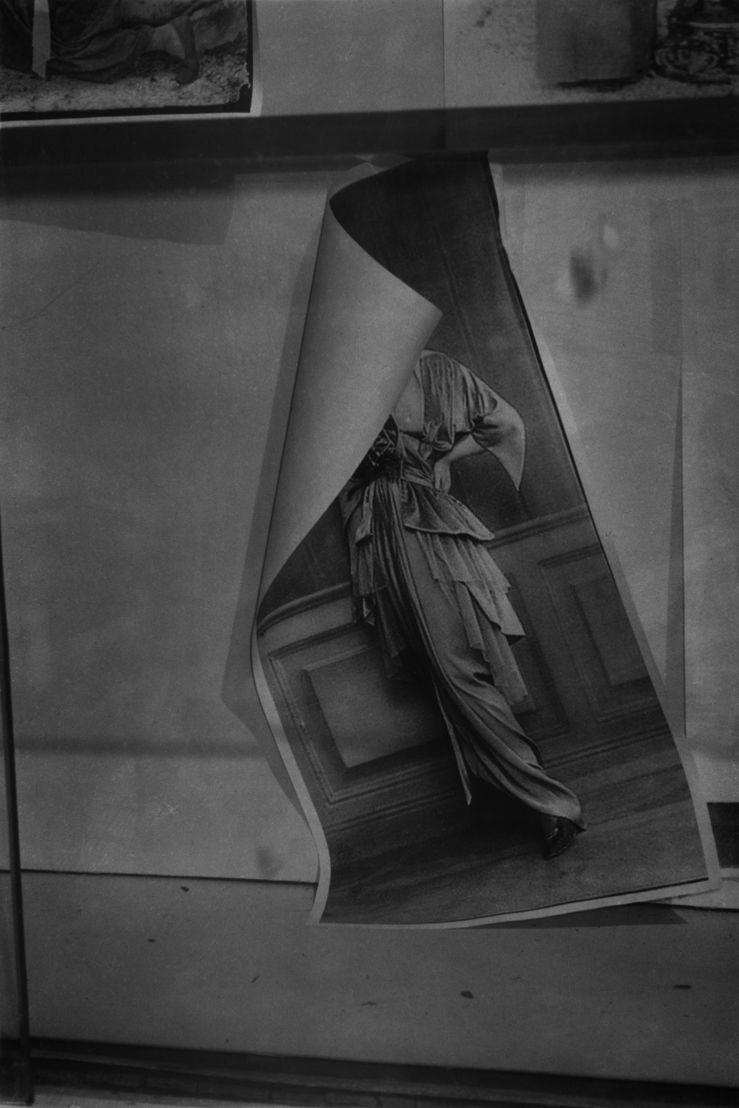 L.V.-V.L.-(3)-2016, 2016<br/>180 x 120 cm, gelatin silver print<br/>© Dirk Braeckman / Courtesy of Zeno X Gallery, Antwerp