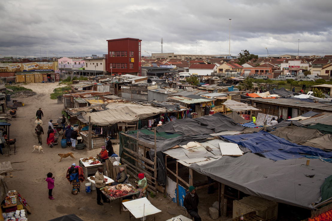 View of Khayelitsha in Western Cape, South Africa. South Africa has one of the highest burdens of TB and (Drug Resistant) DR-TB in the world, with around 20,000 people diagnosed with DR-TB in 2015. In Khayelitsha, Western Cape, which has some of the country's highest rates of DR-TB, MSF runs a strengthened regimen programme that incorporates new drugs into treatment regimens for DR-TB patients including Delamanid and Bedaquiline. Photographer: Sydelle WIllow Smith