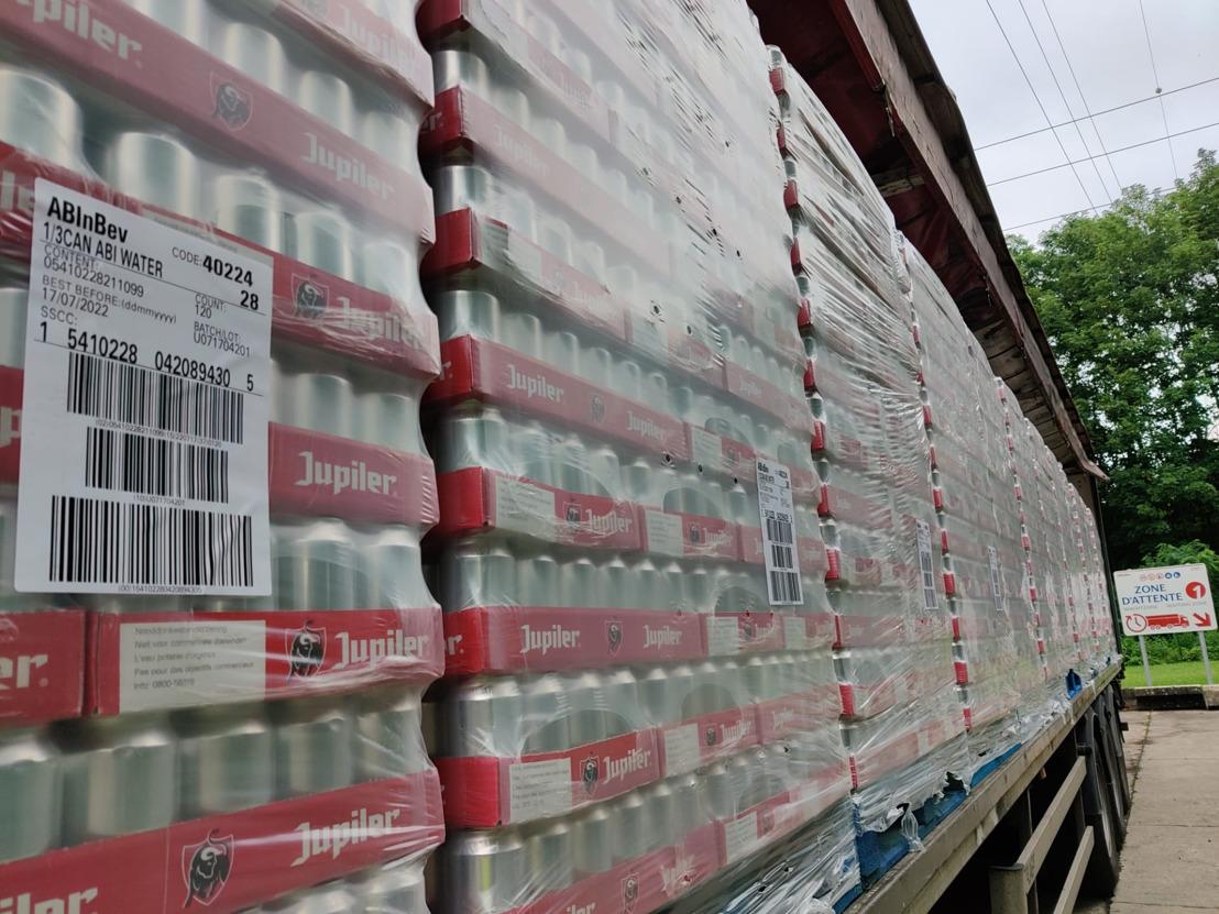 AB InBev stuurt drinkbaar bronwater naar getroffen gebieden