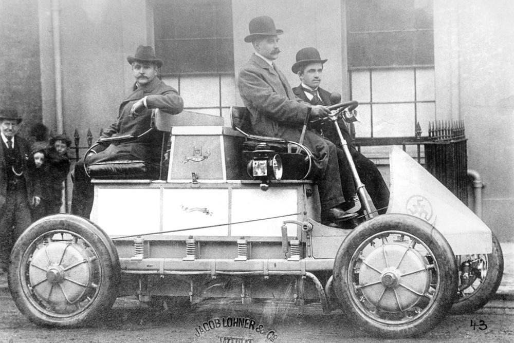 1898: Porsche Lohner con cuatro motores de cubo de rueda eléctricos